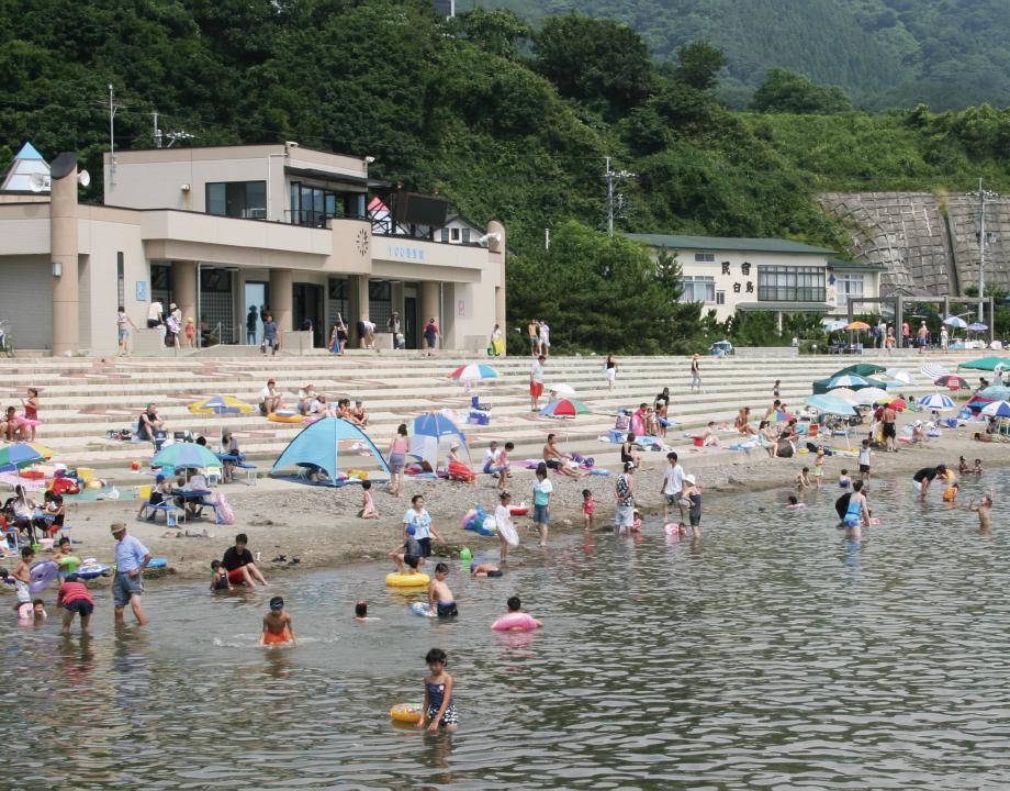 岩館海岸海浜プール